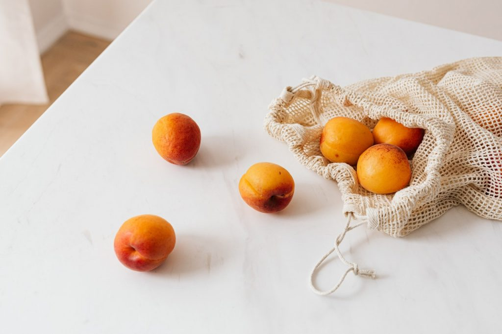 what is apricot kernel oil good for?
